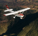 A Cessna 182 Skylane in flight. (Cessna)