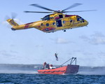 A CH-149 Cormorant conducts search and rescue training on 30 May 2008. (Canadian Forces Photo by Private Melissa Spence)