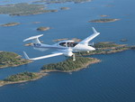 A Diamond DA 42 Twin Star in flight (Diamond)