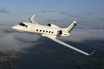 A Gulfstream G450 business jet in flight. (Gulfstream)
