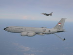 A Republic of Singapore Air Force F-16 and KC-135 in flight. (RAAF)